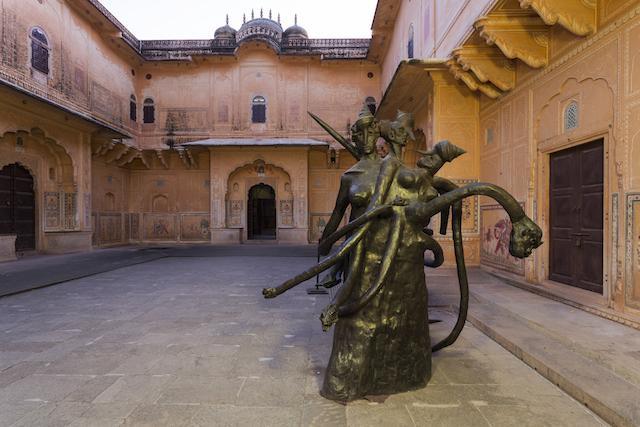 Retour sur le parcours de l'artiste indienne Bharti Kher